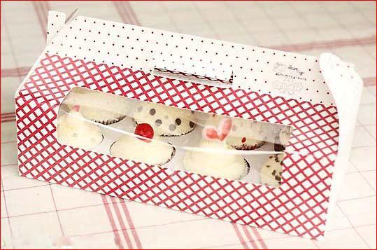 In hộp giấy đựng bánh