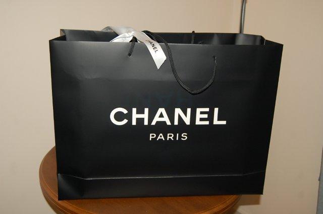 Túi giấy Chanel